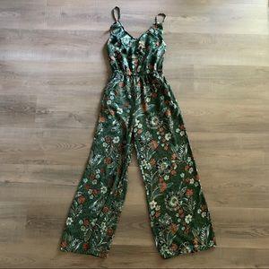Beautifu green floral print jumpsuit   ruffle neck